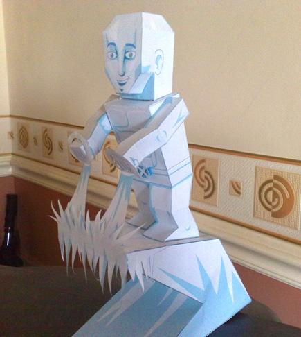 Paper model imprimible de Iceman personaje de comics.Manualidades a Raudales.