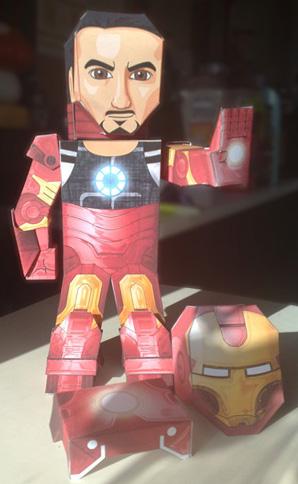 Paper model imprimible y armable de Iron Man personaje de ficción. Manualidades a Raudales.