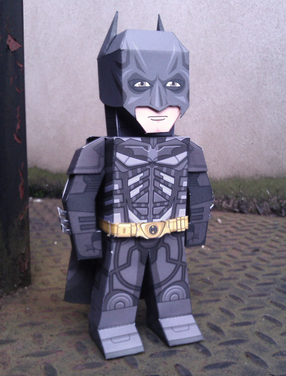 Paper model imprimible de Batman. Manualidades a Raudales.